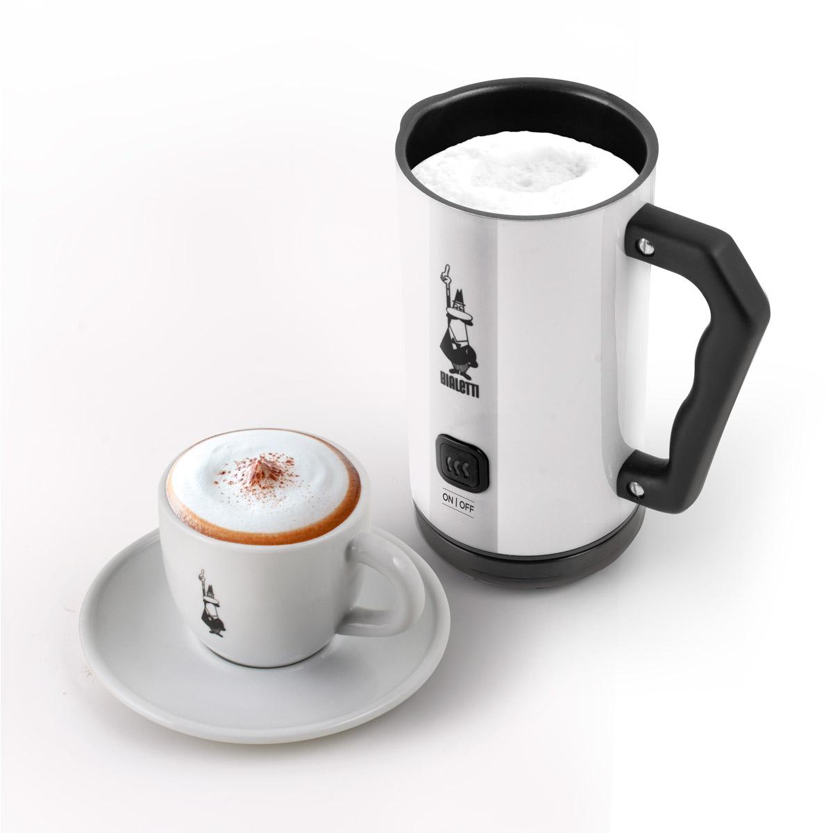 Milk Frother Espumador de leche eléctrico automático Blanco y taza para cappuccino Bialetti